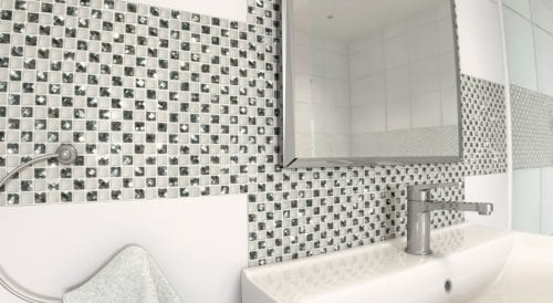 White glass and stone mosaic with diamond cut pieces - Manhattan Star